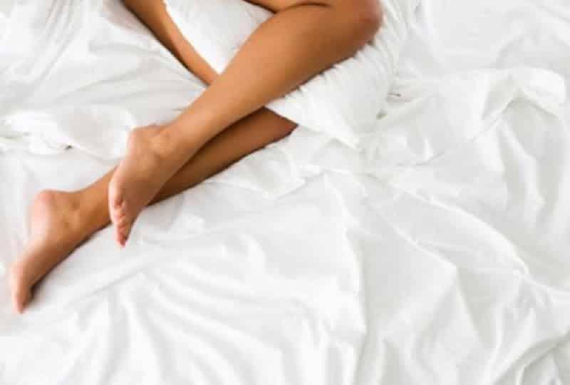 Las ventajas de dormir sin ropa