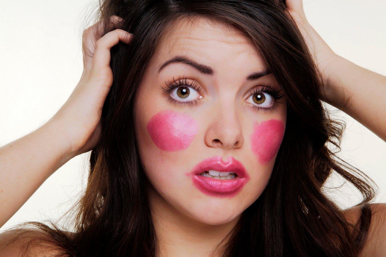 Errores de maquillaje comunes y cómo solucionarlos