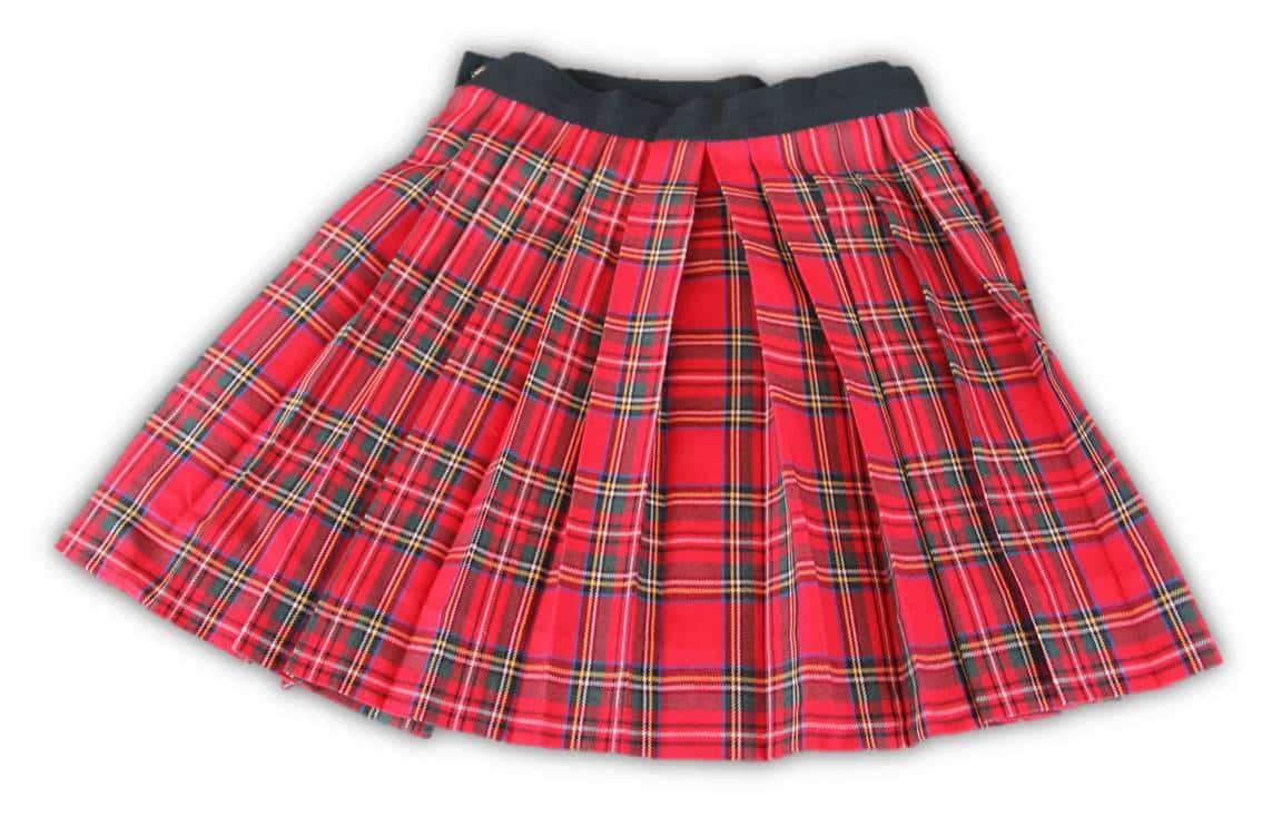 ¿Con qué combinar las faldas de cuadros de tus niñas?