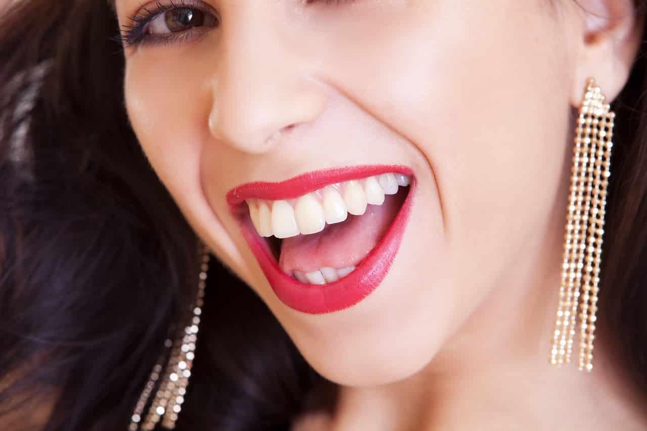 Qué es la gingivitis y cómo tratarla