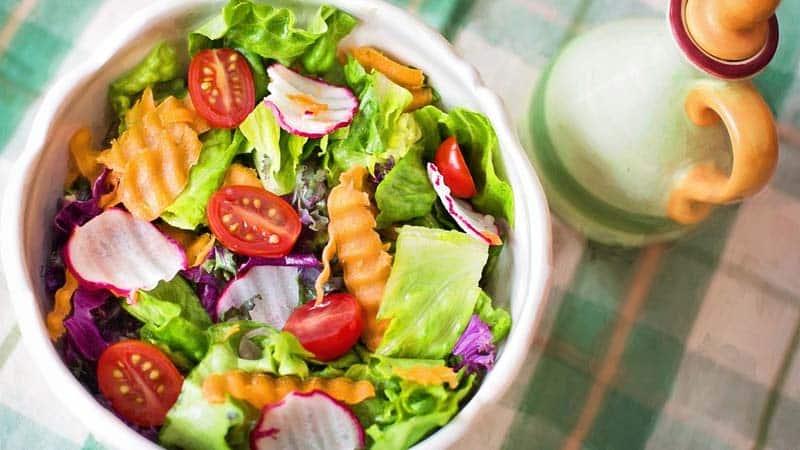 ¿Se puede reducir el colesterol con dieta?