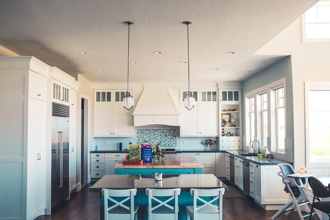 Motivos para instalar una cocina con muebles a medida