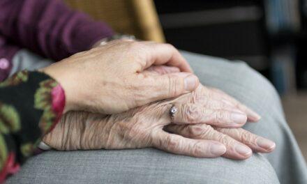 Derechos de las cuidadoras de personas mayores